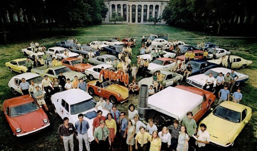 group photo of MIT students