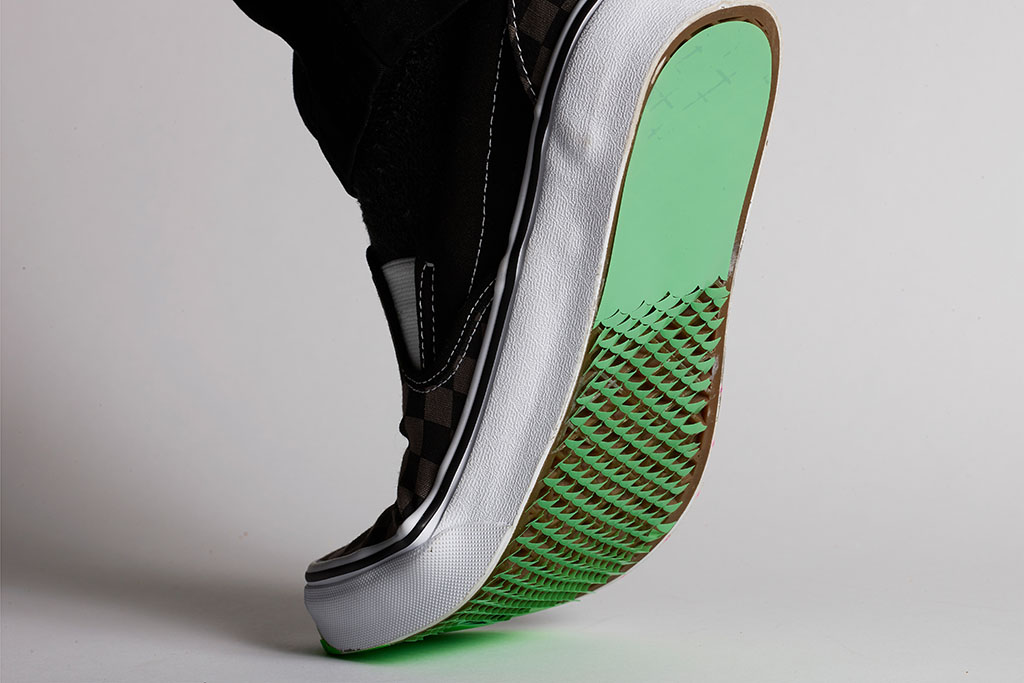 Example of new shoe with origami-like improved traction bottom