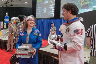 Robots shoot for the moon in MIT's annual 2.007 competition