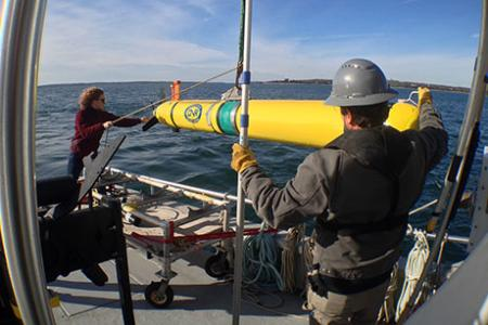 Fundamental equations guide marine robots to optimal sampling sites