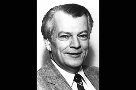 Professor Emeritus T. Francis Ogilvie, former ocean engineering department head, dies at 89